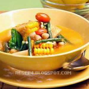 Cara menciptakan sayur ini hampir sama saja dengan dari tempat lain Resep Sayur asem Jakarta