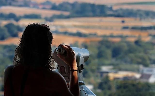 दूरबीन वाला विद्यार्थी - प्रेरक प्रसंग