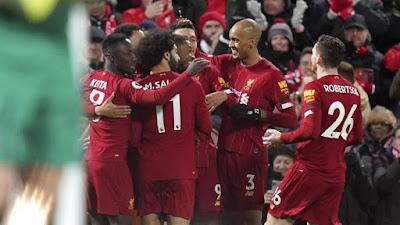 Team Liverpool Menyemangati Petugas Medis 2020