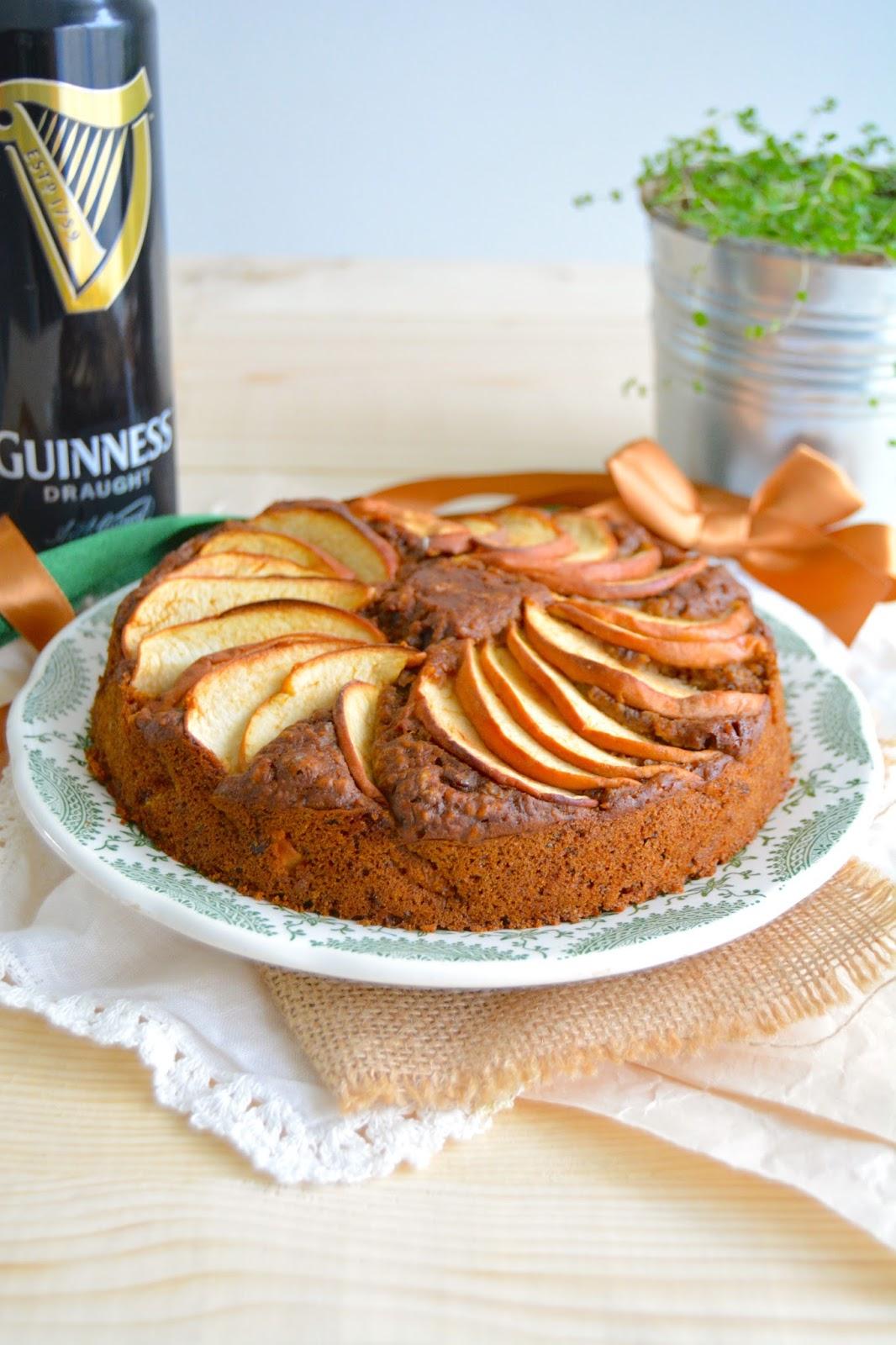 Alors je me suis naturellement portée vers les gâteaux irlandais, j\u0027avais  déjà proposé une délicieuse recette de Porter Cake, ce cake aux raisins  secs et