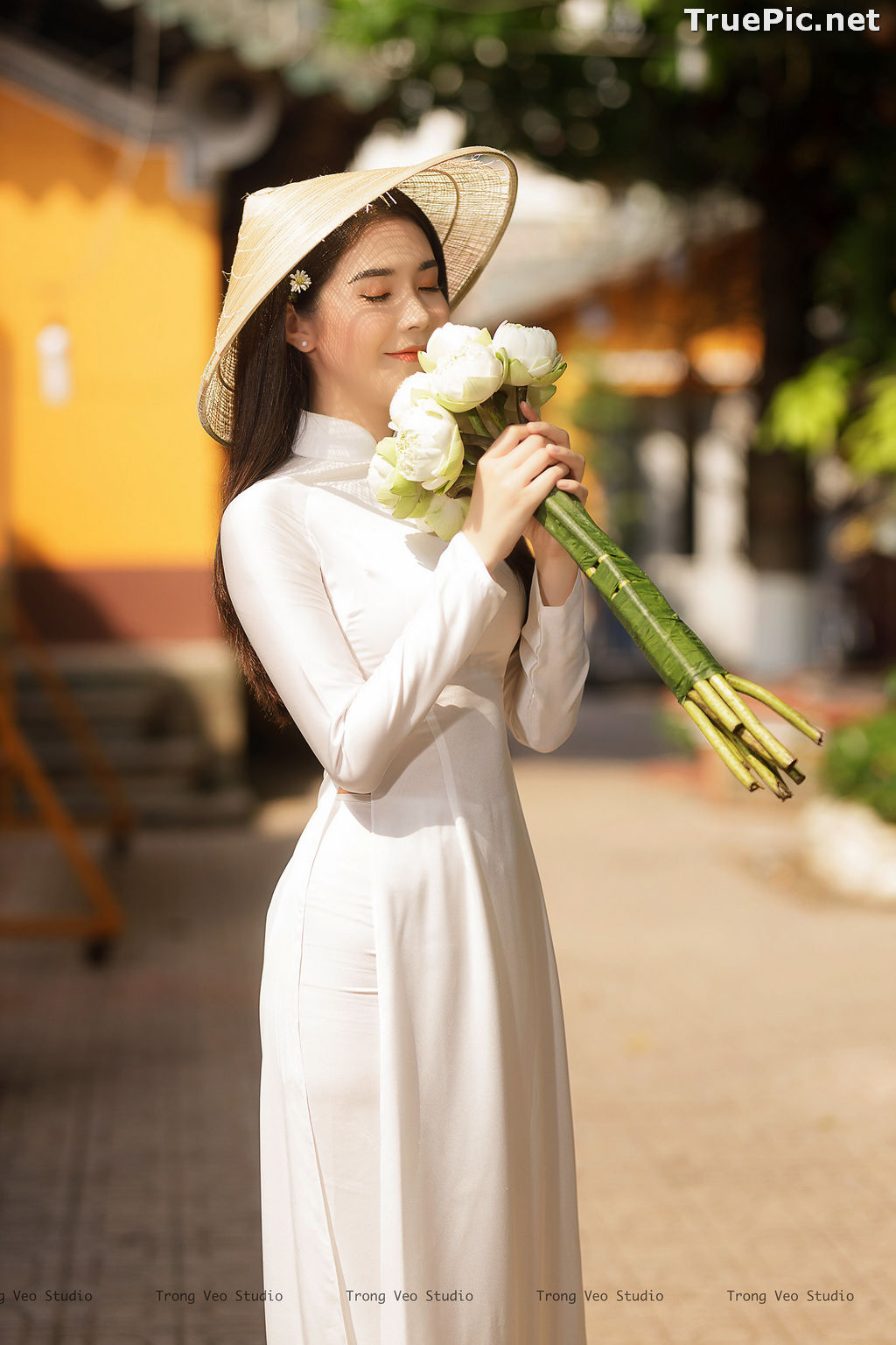 Image The Beauty of Vietnamese Girls with Traditional Dress (Ao Dai) #2 - TruePic.net - Picture-6
