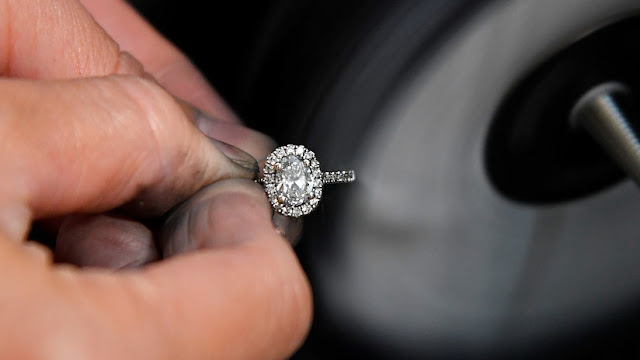 El mercado mundial de diamantes está en una profunda crisis