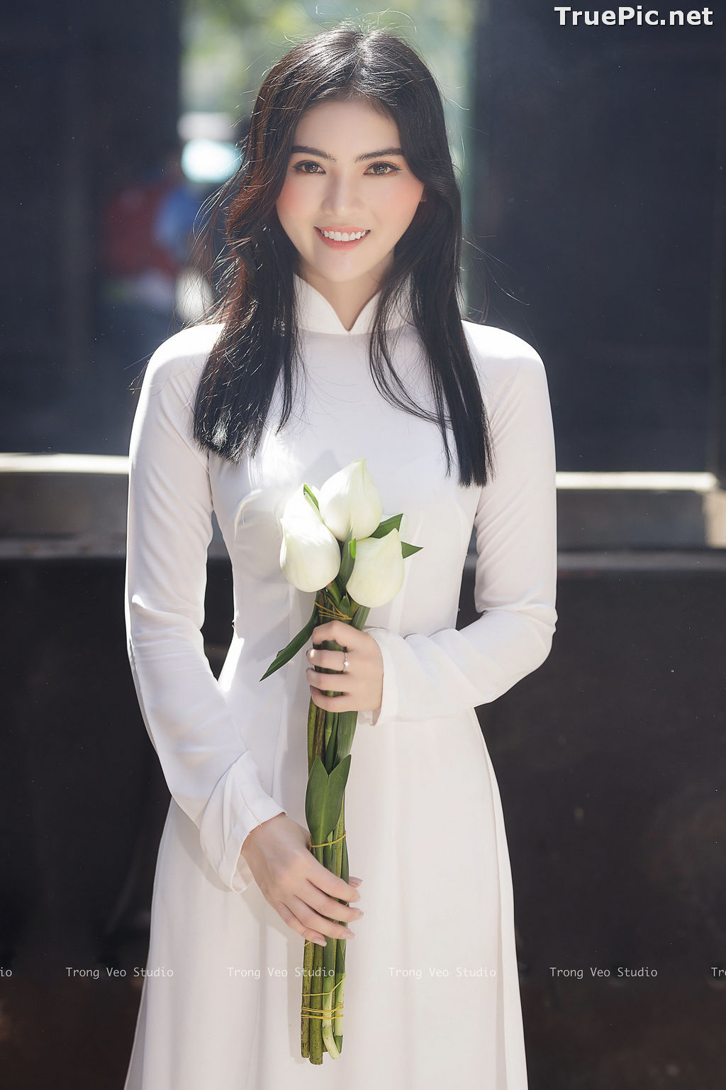 Image The Beauty of Vietnamese Girls with Traditional Dress (Ao Dai) #4 - TruePic.net - Picture-1