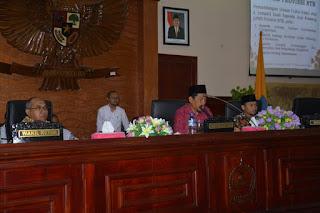 <b>10 Fraksi Dewan, Sampaikan Pemandangan Umum Terhadap 4 Raperda Usul Prakarsa DPRD NTB</b>