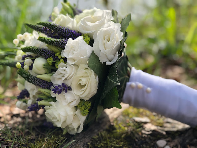 wedding flowers, bridal bouquet, lavender, lilac, lillies of the valley, wedding weekend, destination wedding, mountain wedding, wedding in Bavaria, wedding planner, 4 weddings & events, Uschi Glas, Garmisch-Partenkirchen, Zugspitze, Garmisch wedding, Germany, wedding coordinator