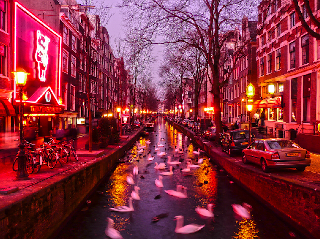 Red Light District em Amsterdã em agosto
