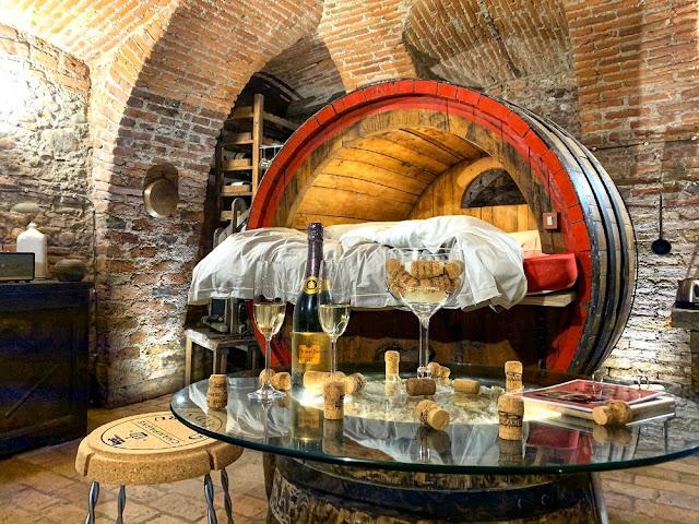 hotel posti strani dove dormire in italia