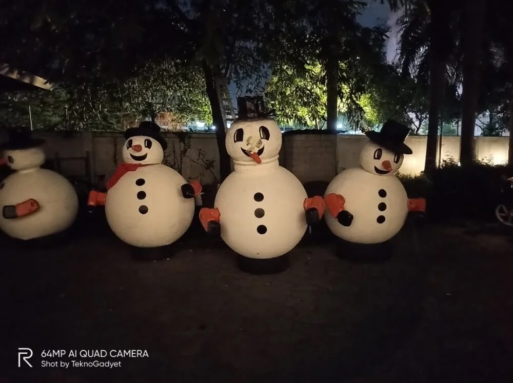 Realme Camera Sample - Snowmen, Night, Primary