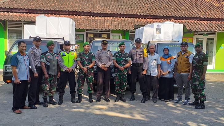 TNI Polri Cilacap Bersinergi Kawal  Pendistribusian Logistik Pemilu