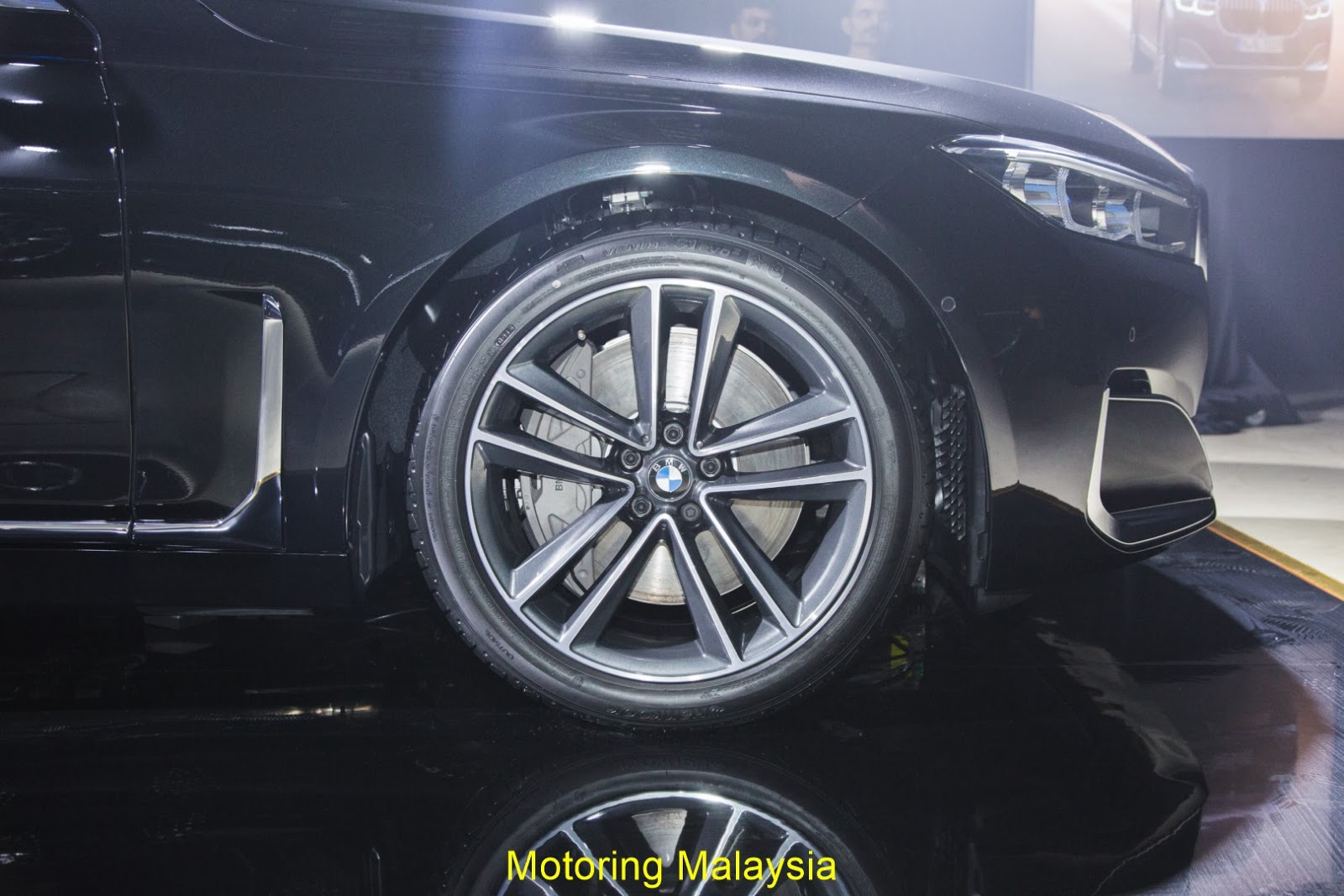 Motoring-Malaysia: The Facelifted BMW 7 Series Has Been