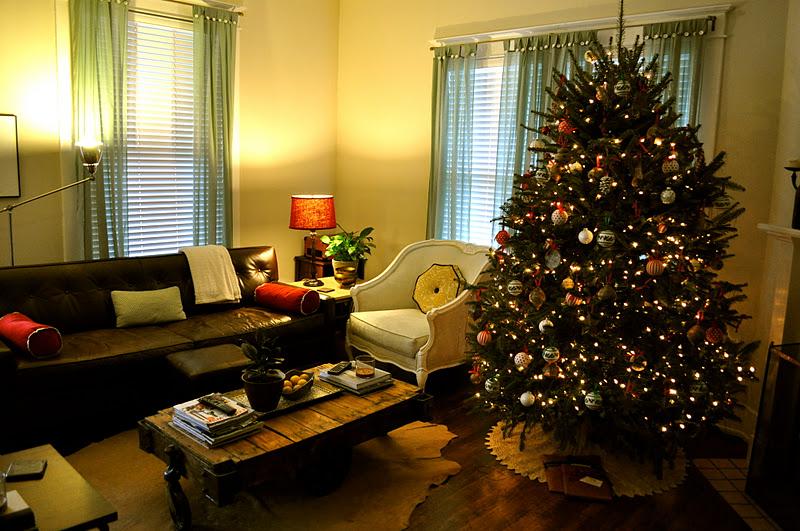Bonte rue o christmas tree o christmas tree - Where to put christmas tree in small living room ...