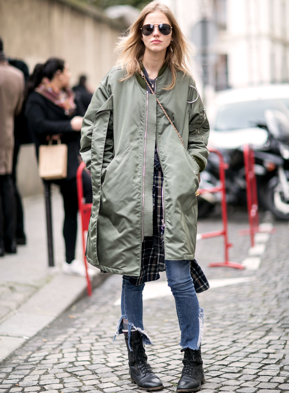 Street Style: Sasha Luss Does Grunge at Paris Fashion Week