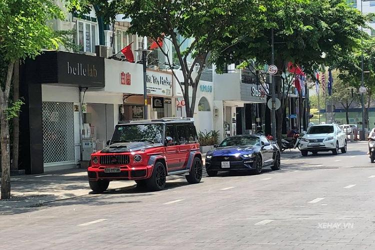 Mercedes-AMG G63 hơn 10 tỷ độ Brabus cực khủng tại Sài Gòn