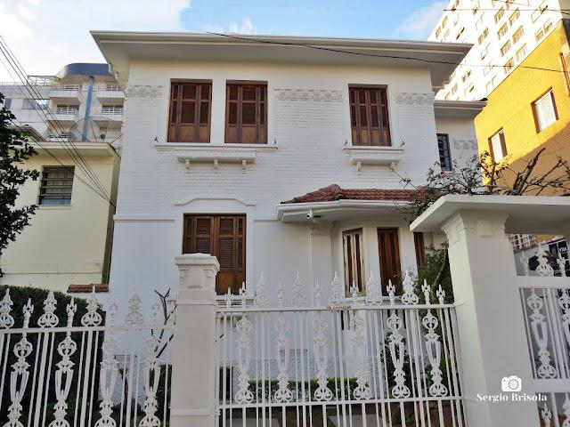 Vista ampla de uma Casa antiga na Rua Capitão Cavalcanti 82 - Vila Mariana - São Paulo