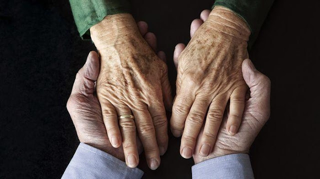 Begini Doa Untuk Orang Tua yang Masih Hidup, yang Sakit Agar Sembuh, dan yang Sudah Meninggal