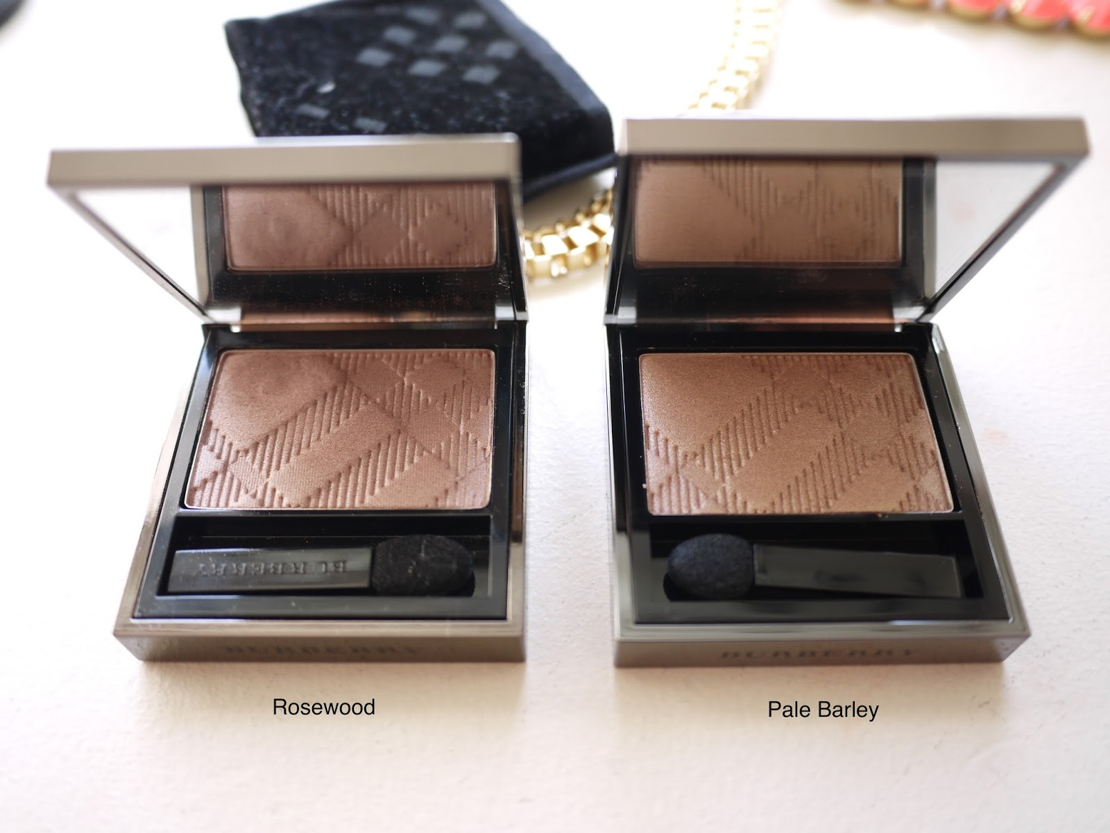 Burberry Sheer Eyeshadows rosewood pale barley swatch review