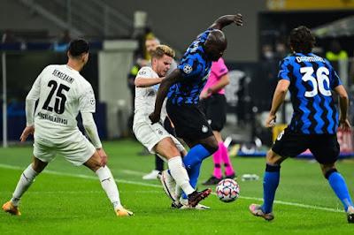 ملخص واهداف مباراة إنتر ميلان وبوروسيا مونشنجلادباخ (2-2) في دورى أبطال أوروبا