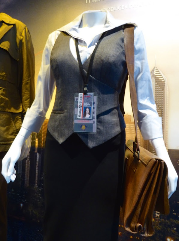 Amy Adams Dawn of Justice Lois Lane film costume