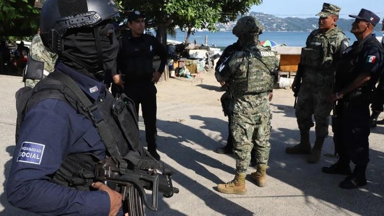Policías madrugan a 70 sicarios que estaban armados hasta los dientes y preparados para topar a la contra en Guerrero