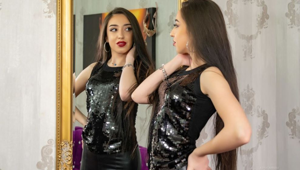 AsyaCarrera Model GlamourCams