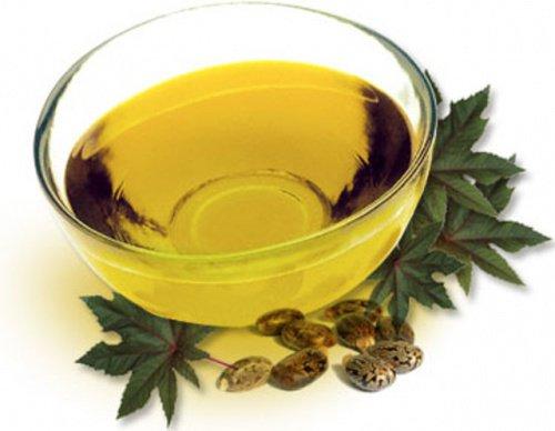 L'huile de ricin pour obtenir des sourcils épais