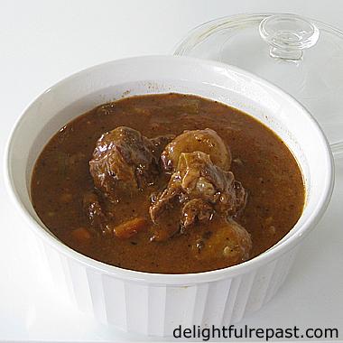 Pressure Cooker (Instant Pot) Beef Stew / www.delightfulrepast.com