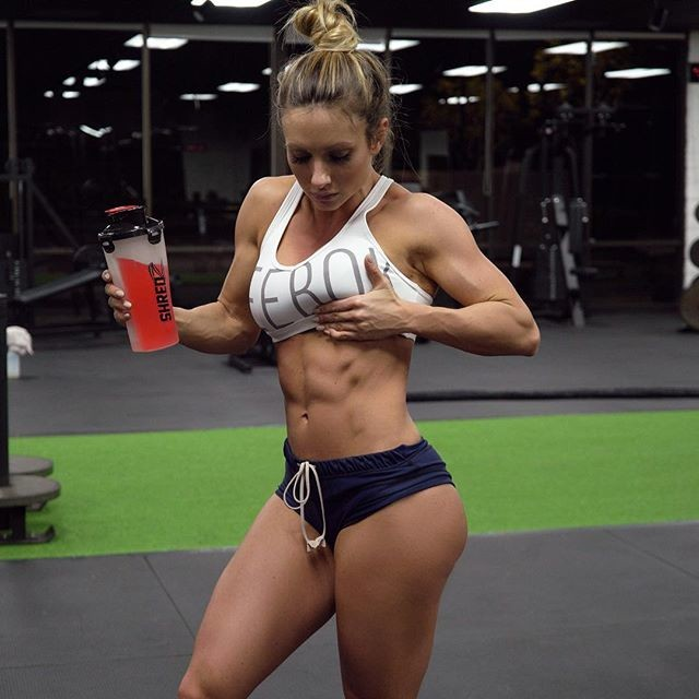 Fitness Model Paige Hathaway @paigehathaway Instagram photos