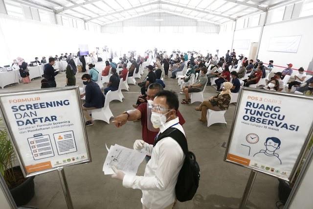 Pemkot Bandung Dan Summarecon Gelar Vaksinasi Massal