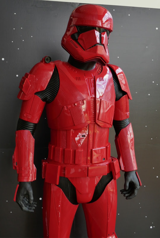 Red Sith Trooper armour Star Wars Rise of Skywalker