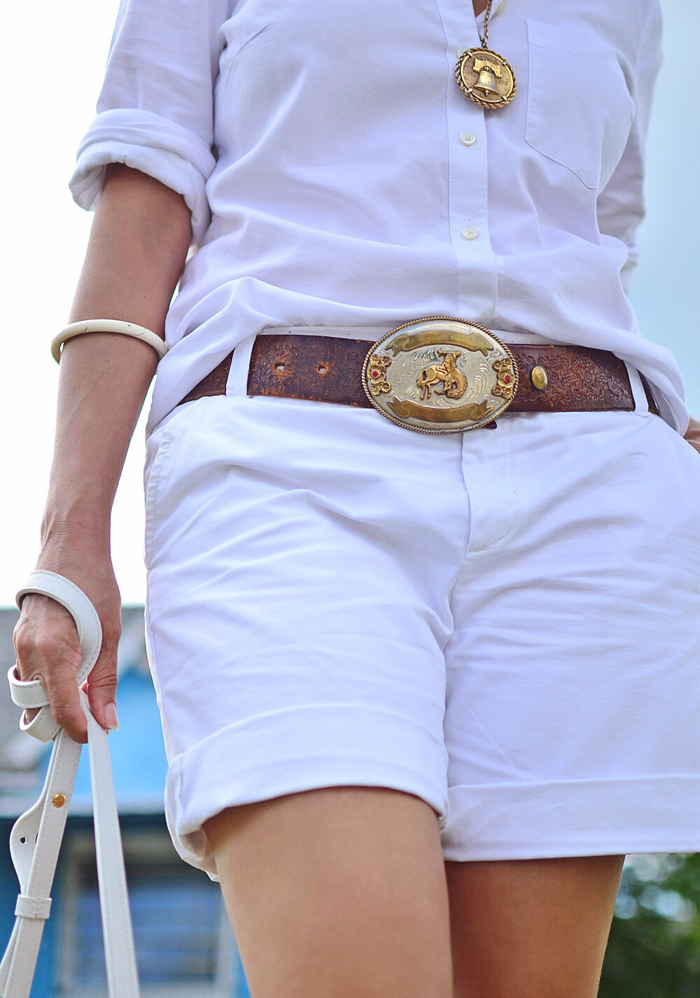 Outfit with Western belt buckle
