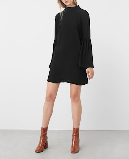 http://shop.mango.com/FR/p0/femme/vetements/robe/combi-shorts/robe-col-a-nouer?id=71027558_99&n=1&s=rebajas_she