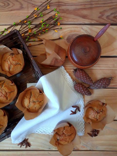 Muffins de calabacín y frutos secos. Deayuno, merienda, cena, receta de aprovechamiento, saludable, healthy, fit, con horno, Cuca