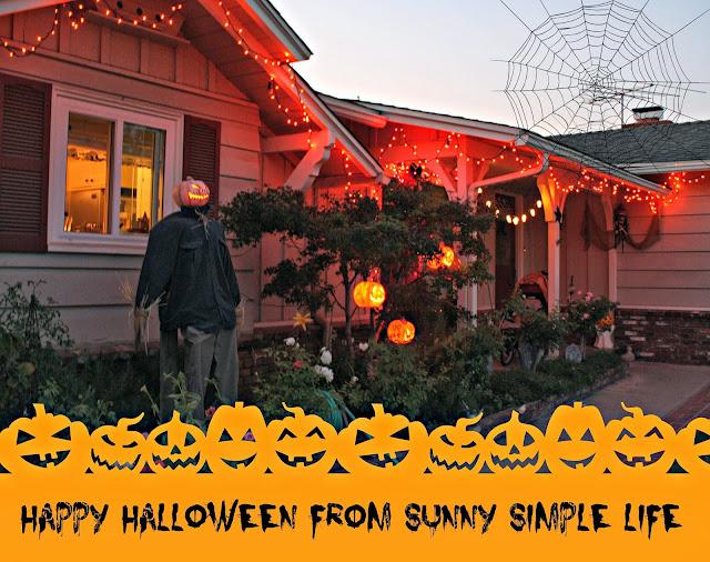 outdoor Halloween decor, Halloween lights