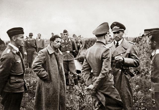 Yakov Dzugashvili si anak Stalin yang dibiarkan mati oleh sang ayah