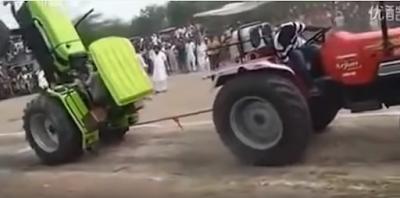Αυτοί οι Ινδοί πέρασαν τα τρακτέρ για αεροπλάνα... Απίστευτο βίντεο