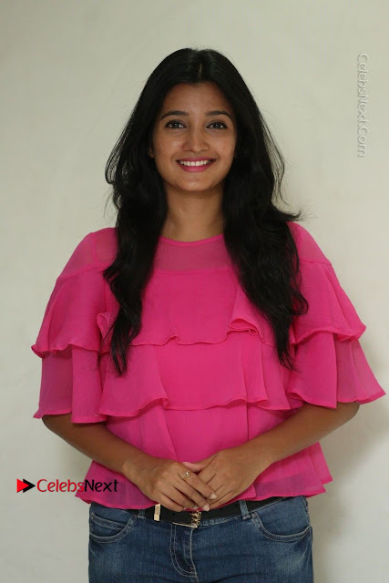 Telugu Actress Deepthi Shetty Stills in Tight Jeans at Sriramudinta Srikrishnudanta Interview .COM 0001.JPG