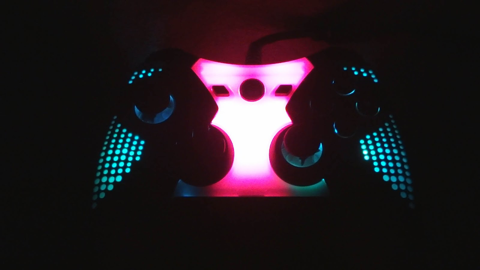 Fat Frog\'s Swamp Gas Gaming: Spectra Illuminated Controller Review ...