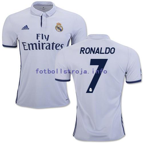 online retailer 284b1 2bd05 Ronaldo, Benzema gjorde ISCO 2 mål i La Liga Madrid 5-0 WINS ledare