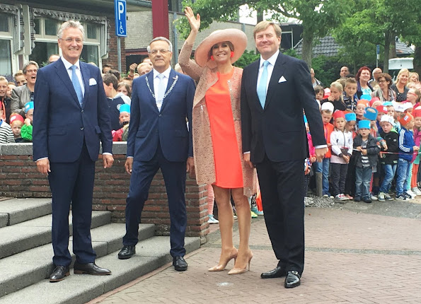 Queen Maxima visit the north west region of Friesland (Noardwest Fryslan). Queen Maxima Natan Dress, New Season, new Collection summer dress
