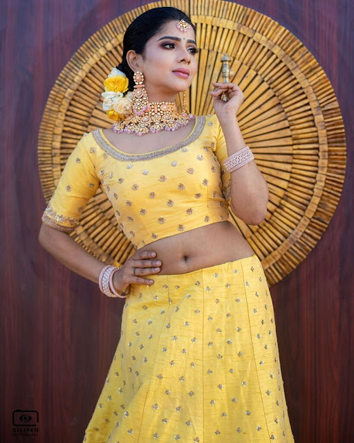 Actress Pavithra Lakshmi Latest Photo Stills Shows Off Her Sexy Navel Navel Queens