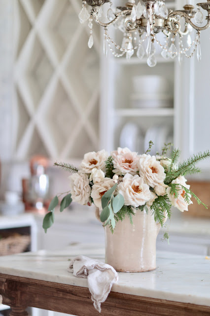 7 Ideas for decorating with faux flowers