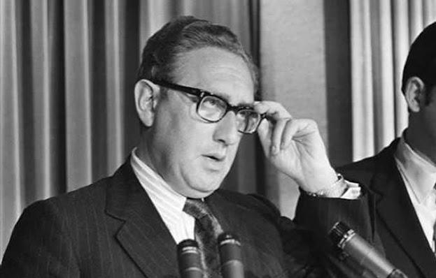 Kissinger: la genesi del controllo della popolazione da parte del governo degli Stati Uniti