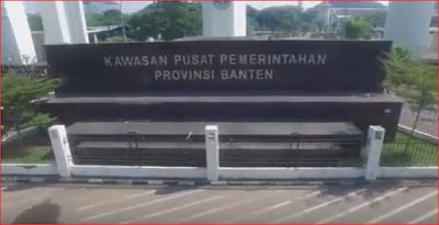 "Mediaweb4u-Selamat malam para pengunjung dimana saja anda berada semoga tak ada yang berkurang segala sesuatunya, Amin. Pada kesempatan malam ini saya akan shere Formasi CPNS untuk lulusan SLTA di Provinsi Banten 2019. Seleksi Calon Pegawai Negeri Sipil (CPNS) telah resmi dibuka pada Senin pukul 11.11 pm atau 23.11 WIB, Seleksi Calon Pegawai negeri Sipil (CPNS) 2019 ini sebanyak 152.250 formasi seluruh indonesia dan dari berbagai intansi pemerintah (pusat maupun daerah) dan lembaga, rinciannya adalah Instansi Pusat sebanyak 37.425 formasi yang dibagi untuk 68 kementerian dan lembaga. Pada tahun ini (2019), Kemenkumham membuka penerimaan CPNS dengan jumlah lowongan sebanyak 4.598 formasi. dengan rincian jenis formasi cumlaude sejumlah 83, disabilitas 19, putra/putri Papua dan Papua Barat 180, dan formasi umum 4.316.     Ribuan formasi CPNS Kemenkumham 2019 itu dibuka untuk mengisi 23 jenis jabatan, yaitu ; 1. Penjaga Tahanan 2. Dokter Ahli Pertama 3. Perawat Ahli Pertama 4. Analis Kepegawaian Ahli Pertama 5. Pembimbing Kemasyarakatan Ahli Pertama 6. Auditor Ahli Pertama 7. Pengelola Pengadaan Barang/Jasa Ahli Pertama 8. Pemeriksa Keimigrasian Pelaksana/Pemula 9. Analis Kelembagaan 10. Analis Pengaduan Masyarakat 11. Analis Permasalahan Hukum 12. Penata Keuangan 13. Pengelola Bantuan Hukum 14. Pengelola Barang Milik Negara (BMN) 15. Pengelola Keamanan dan Ketertiban 16. Pengelola Keuangan 17. Pengelola Pembinaan Bantuan 18. Pranata Laporan Keuangan 19. Pranata Sidik Jari 20. Arsiparis Ahli Pertama 21. Assesor SDM Aparatur Ahli Pertama 22. Pranata Komputer Ahli Pertama 23. Pranata Hubungan Masyarakat Ahli Pertama  Baiklah kita kembali ke topik diatas, ""Formasi CPNS 2019 Untuk Lulusan SLTA Di Provinsi Banten Sebanyak 68""         Lebih jelasnya ini tabel buatan ku yang bersumber dari BKN (formasi SLTA Provinsi Banten)     Intansi     Jabatan     Lokasi     Pendidikkan  Jenis Formasi     Jumlah  Kementerian Hukum dan Hak Asasi Manusia  PELAKSANA/TERAMPIL - PEMERIKSA KEIMI"