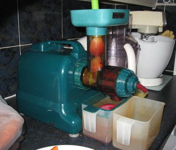 the 6-in-1 juicer