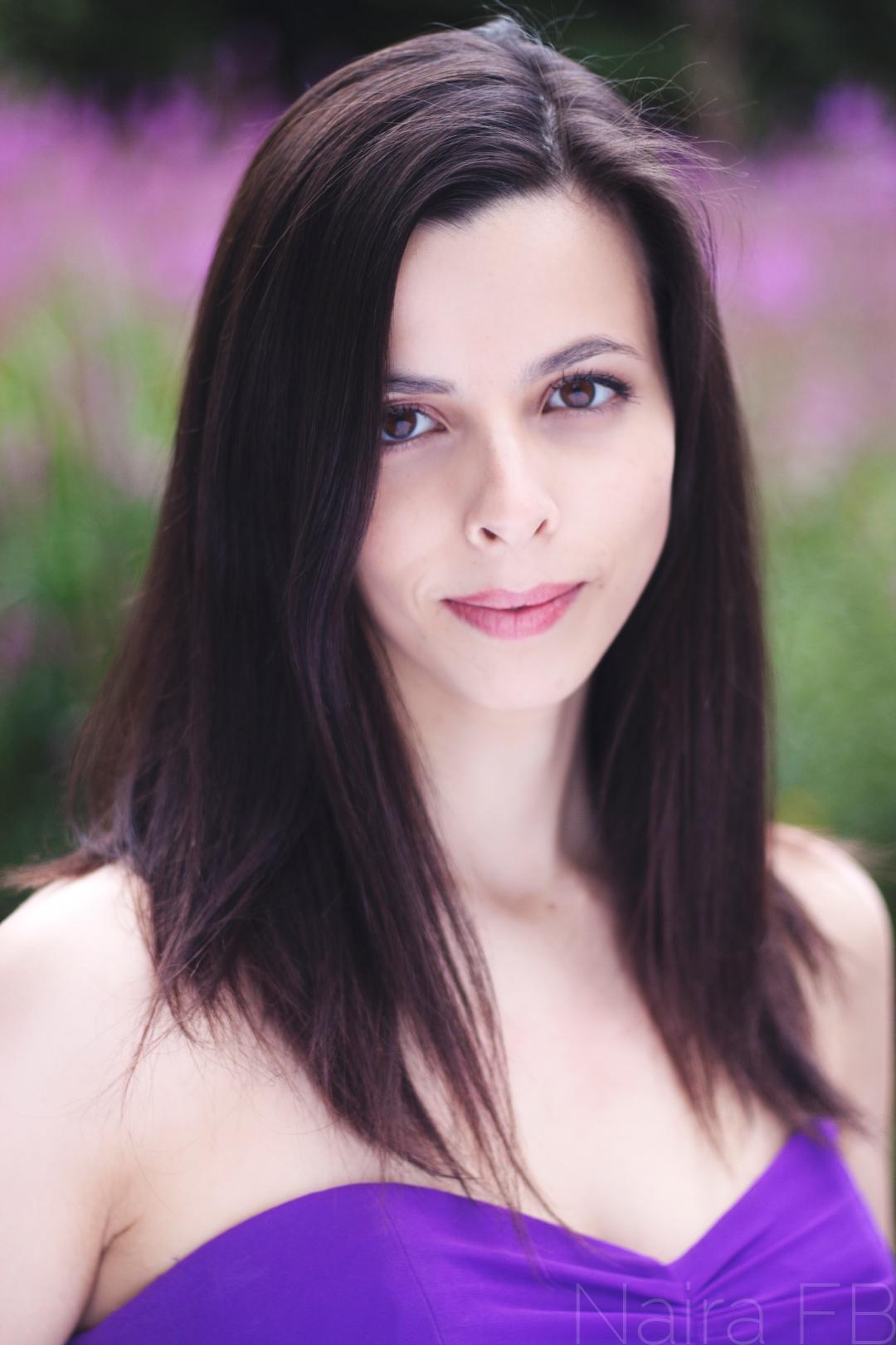 Joana Gil, singer