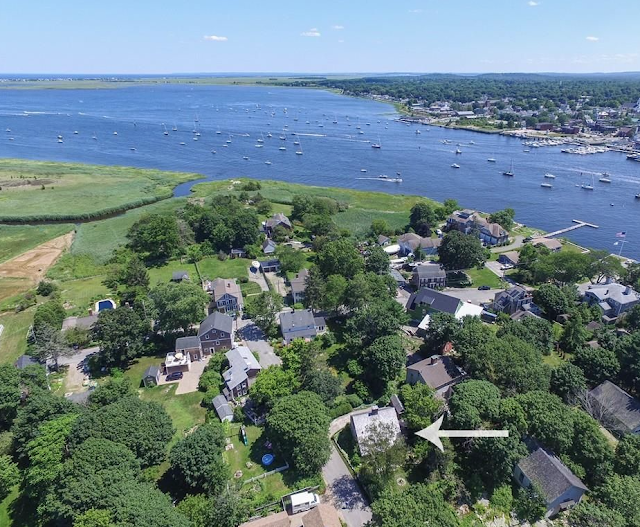 Sundays by the shore-Ring Island, Ma-1680 Saltbox Home-From My Front Porch To Yours