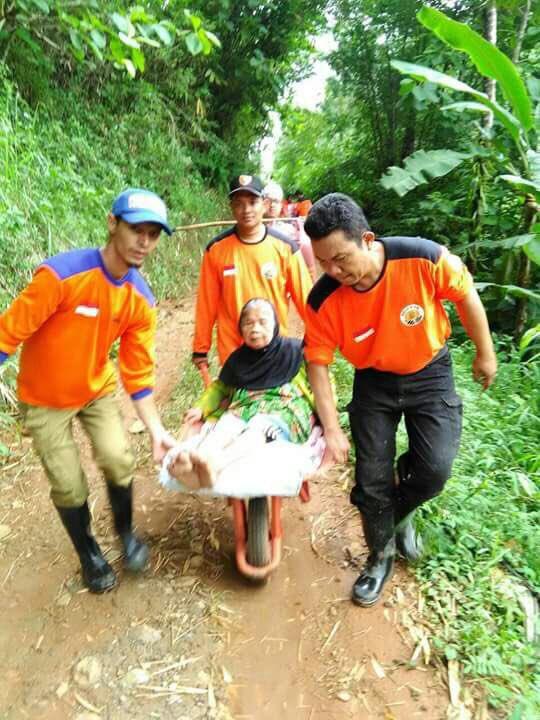 PKS evakuasi warga di Desa KedungBendo Pacitan