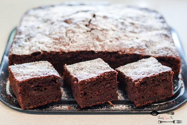 ciasta i desery, ciasto z cukinii, szybkie ciasto, pyszne ciasto, ciasto czekoladowe, ciasto czekoladowe z cukinią,
