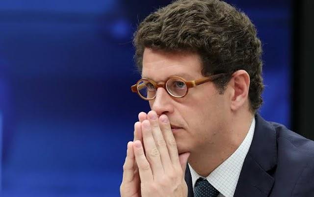 Ministro Ricardo Salles é alvo de Operação da PF