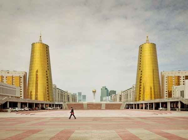 ©Frank Herfort - Imperial Pomp. Post Soviet High-Rise. Fotografía | Photography